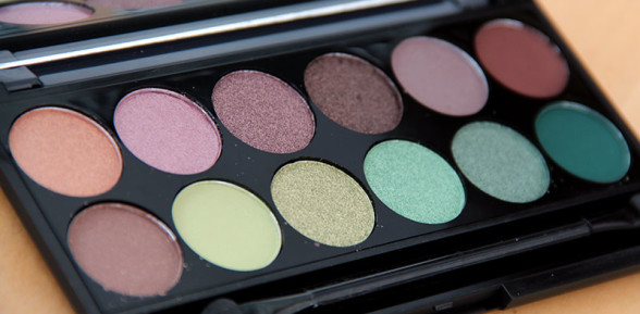 Sleek i-Divine palette in Garden of Eden